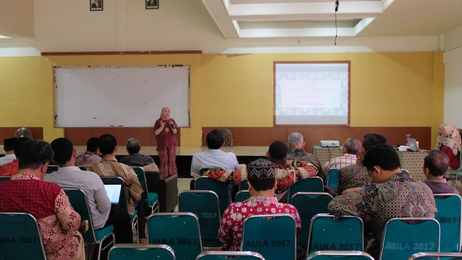 Writing Coaching Clinic for Universitas Djuanda Bogor