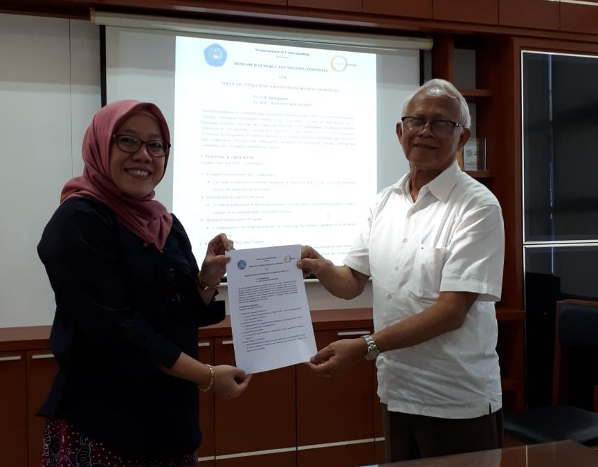 MOU Signing between RSF and STIE Balikpapan